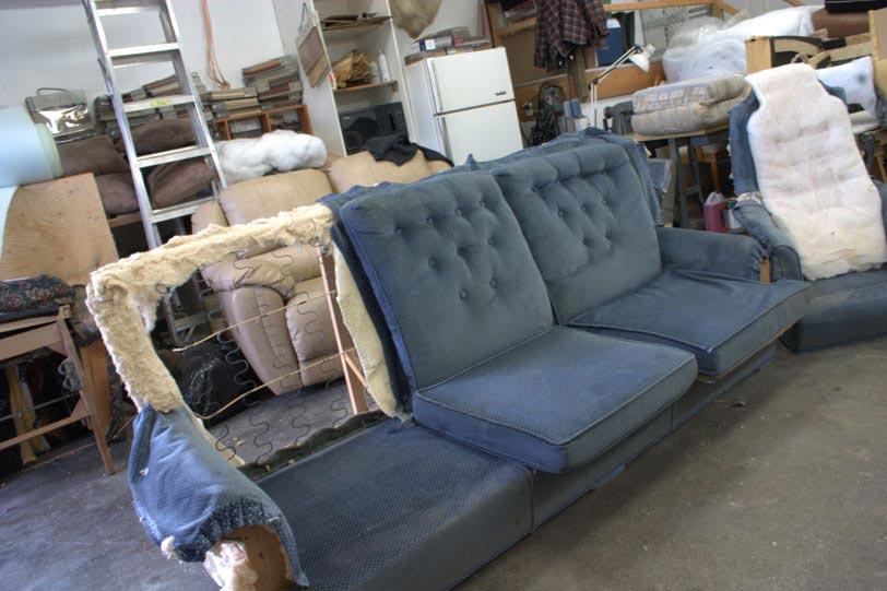 rembourrage divan table de lit a roulettes. Black Bedroom Furniture Sets. Home Design Ideas